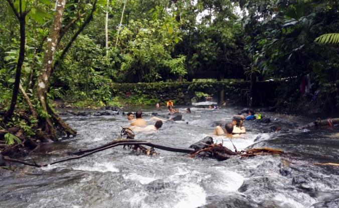 la-fortuna-free-hot-springs.jpg